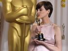 Anne Hathaway confessa que 'fingiu felicidade' ao ganhar Oscar em 2013
