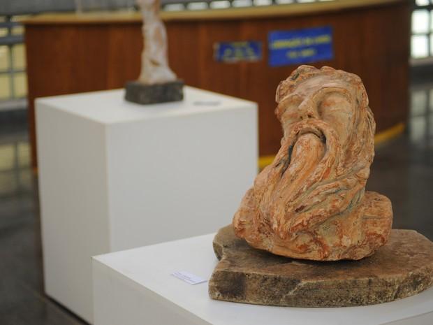 Biblioteca da UFSCar recebe mostra gratuita do escultor Fabiano Brito (Foto: Melina Simardel/UFSCar)