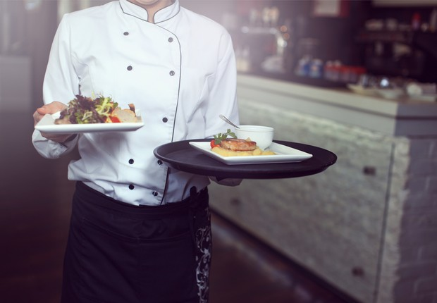 Garçom ; serviço ; restaurante ; comer fora ; trabalho temporário ;  (Foto: Thinkstock)
