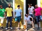 Grupo de samba Tá em Casa se apresenta em Águas de São Pedro