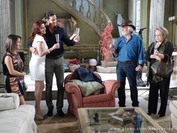 Rubão conhece Gigi  (Foto: Amor à Vida\ TV Globo)