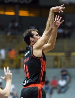 Marcelinho fez 27 pontos na vitória do Flamengo sobre o Franca pelo NBB (Foto: Newton Nogueira/Franca Basquete)