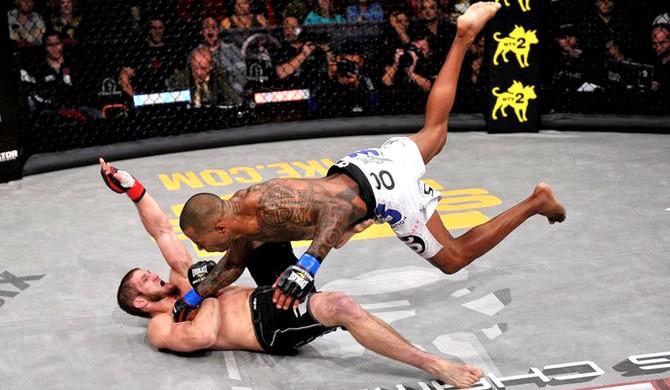 Cosmo Alexandre x Josh Quayhagen luta MMA (Foto: Divulgação / Bellator)