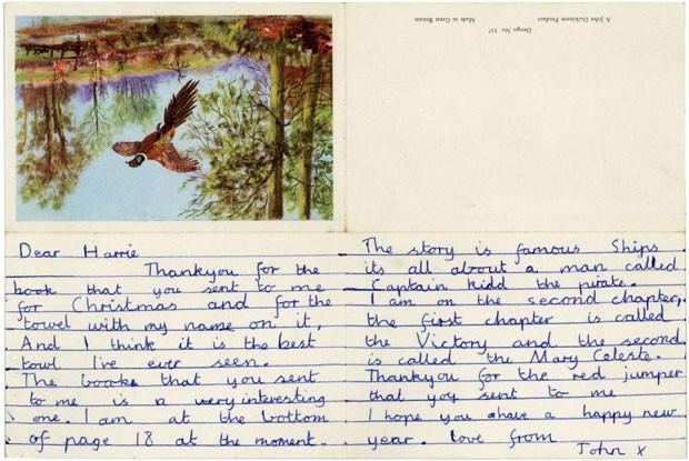 Carta enviada por John Lennon a uma tia, em 1951, quando ele tinha 11 anos; item vai a leilão (Foto: Divulgação/TracksAuctions.com)