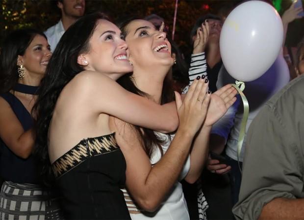 Isabelle Drummond e Mariana Fernandes, sua sócia (Foto: Roberto Filho/Brazil News)