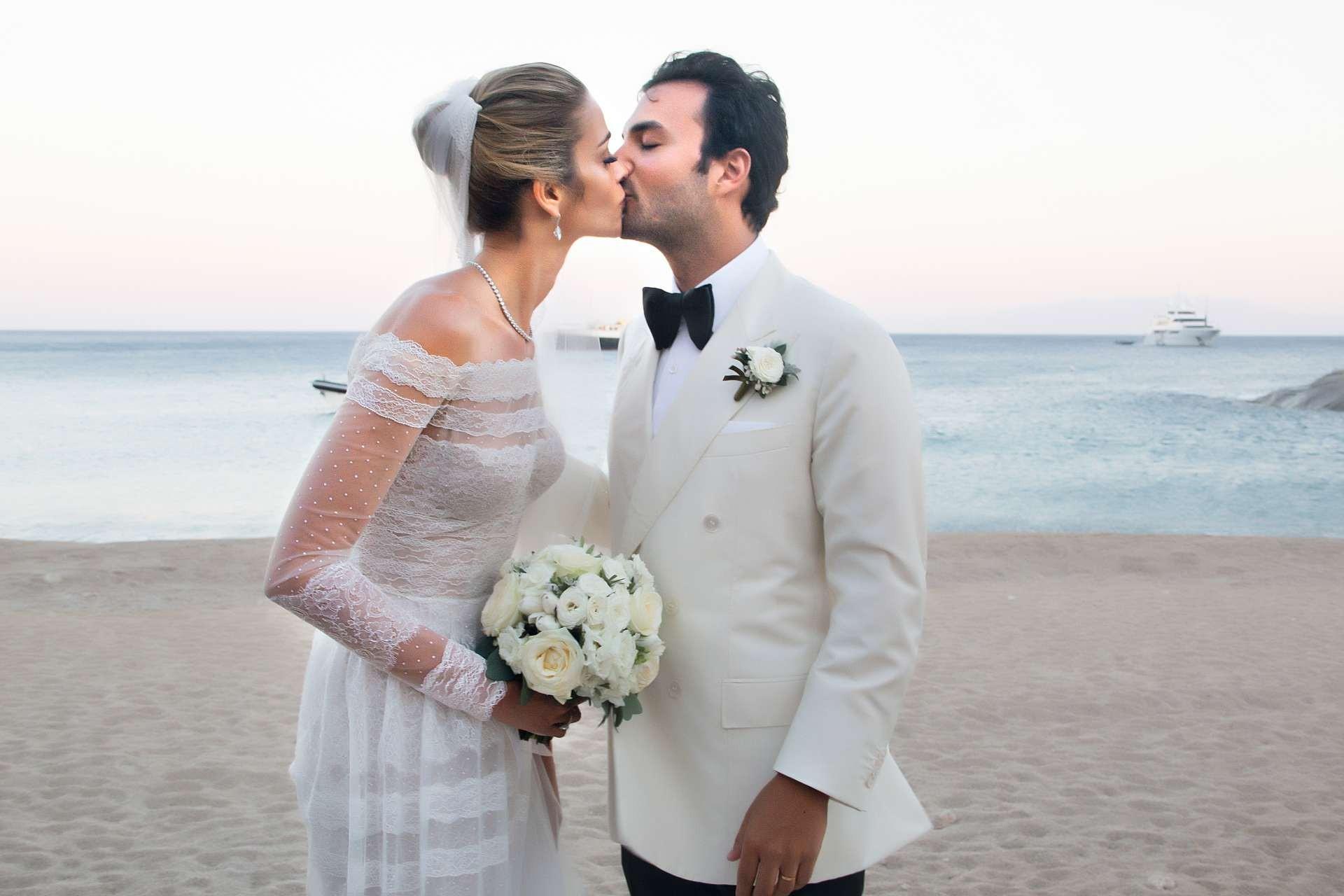 Ana Beatriz Barros e  Karim El Chiaty: casamento (Foto: Marcos Rosa/Ed. Globo, Reprodução Instagram)