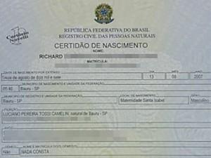 Certidão de Nascimento de Richard, um dos filhos do casal (Foto: Reprodução/TV TEM)