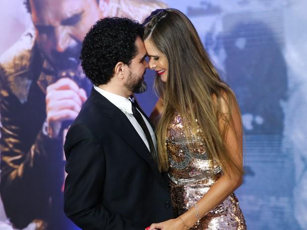 Luciano com a mulher, Flávia Fonseca, em show em São Paulo (Foto: Manuela Scarpa/ Brazil News)