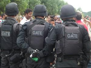 Homens do GATE foram chamados para reforçar segurança na BR-458. (Foto: Patrícia Belo / G1)