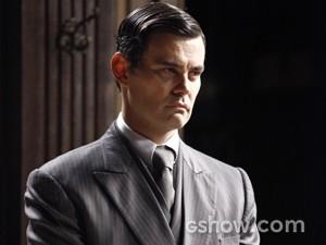Será que Manfred vai conseguir sequestrar Pérola? (Foto: Joia Rara/TV Globo)