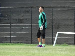 Juninho goleiro Central (Foto: André Vinícius / GloboEsporte.com)