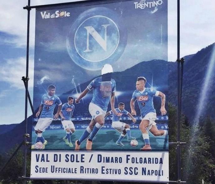 Napoli Higuain sem cabeça (Foto: Reprodução)