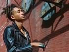 Jaden Smith, filho de Will Smith, posa em campanha feminina para marca
