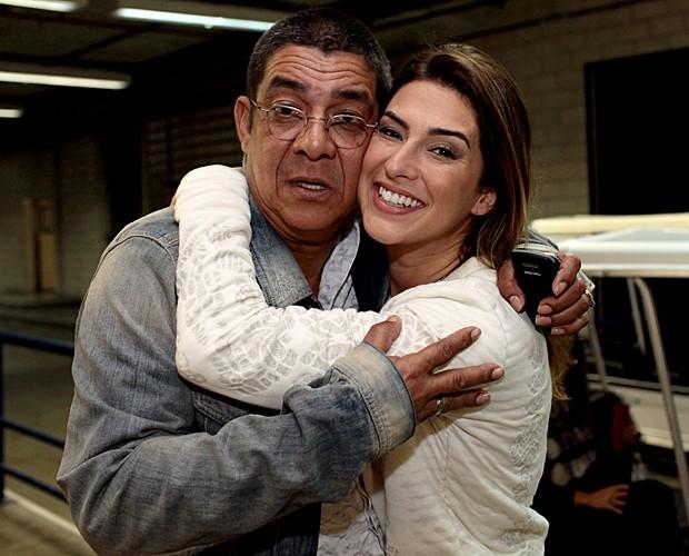 Fê Paes Leme Zeca Pagodinho bastidores Top 10 (Foto: Dafne Bastos/TV Globo)