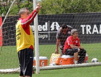 D'Alessandro meia Inter (Foto: Tomás Hammes / GloboEsporte.com)