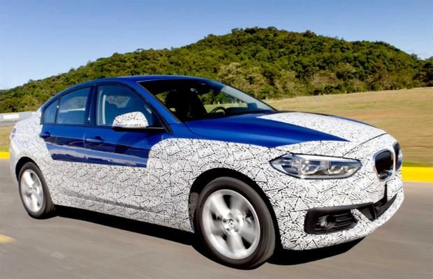 BMW Série 1 sedã agora roda bem disfarçado (Foto: Divulgação)