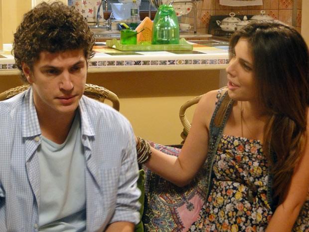 Cristal diz que só faltam três meses para Gabriel ser papai (Foto: Malhação / Tv Globo)