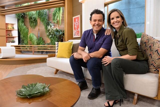 Fernando Rocha e Mariana Ferrão no comando do Bem Estar (Foto: Globo/ Zé Paulo Cardeal)