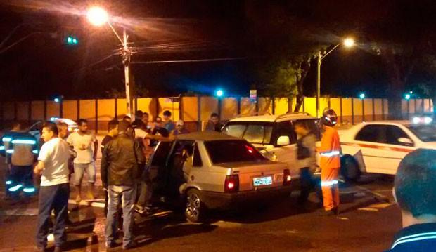 Colisão aconteceu no cruzamento das avenidas Senador Salgado Filho e Bernardo Vieira, no Tirol, zona Leste de Natal (Foto: Ariadna Varela/G1)