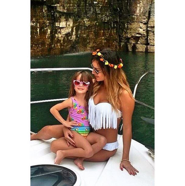 Leticia, ex-BBB14, e a filha (Foto: Instagram/Reprodução)