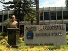 Justiça em Serrana bloqueia bens de prefeito após terceirizar médicos