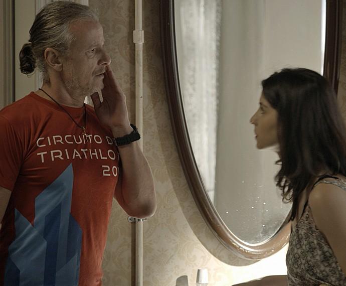 Duda dá um tapa no rosto de Vavá (Foto: TV Globo)