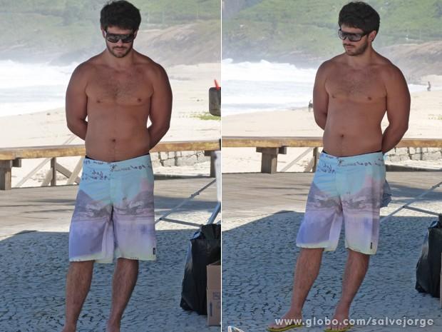 Duda Nagle mostra a boa forma na praia (Foto: Salve Jorge/TV Globo)
