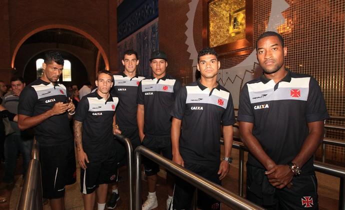 jogadores Vasco visita aparecida do norte (Foto: Marcelo Sadio / Vasco.com.br)