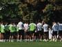 """Dorival pede para time """"pôr cabeça no travesseiro"""" e pensar no Corinthians"""