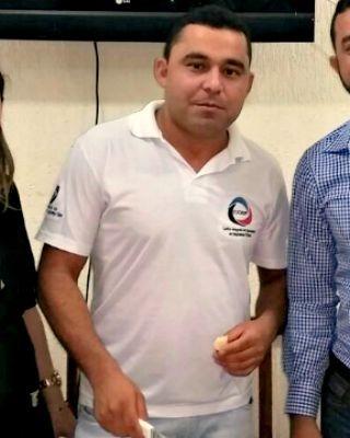 Sargento Francisco Oliveira de Souza foi morto com facada nas costas na noite de domingo (2) (Foto: Divulgação/Ciosp)