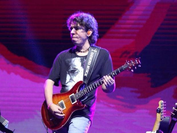 Moisés Martins faz parte da banda há um ano (Foto: Reprodução/Facebook)