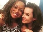 Fernanda Souza reencontra Aretha Oliveira, de 'Chiquititas'