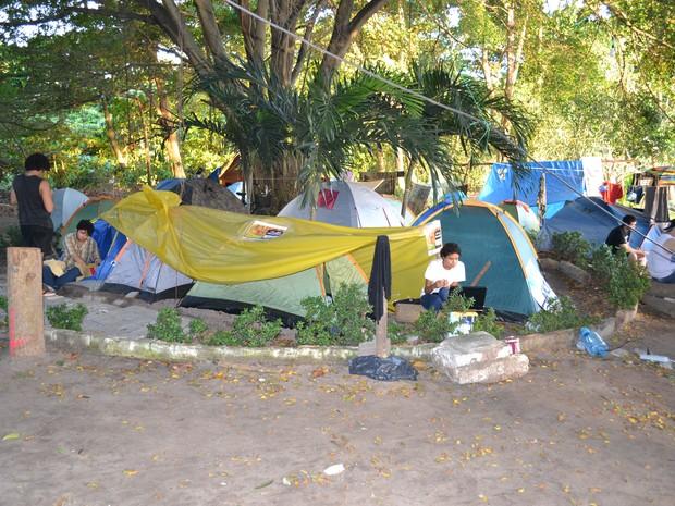 Vinte barracas são montadas no Parque Ecológico do Cocó há 12 dias (Foto: André Teixeira/G1)