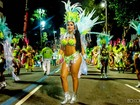 Carla Bora estreia no carnaval carioca exibindo corpão: 'Foi inesquecível'