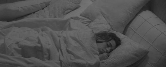 Brothers dormem após noite de cinema e forró na casa