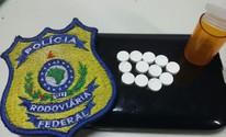 Caminhoneiro é detido com 12 comprimidos (PRF/ Divulgação)