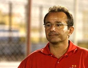 Técnico do Holanda, Alberto Silva (Foto: Divulgação/Antônio Assis)