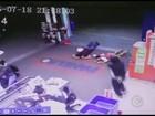 Circuito de segurança flagra ação de quadrilha em supermercado