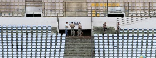Vistoria no Amigão dividiu torcidas de Campinense e Treze (Foto: Leonardo Silva / Jornal da Paraíba)