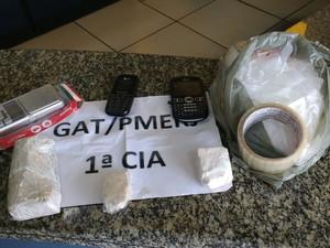 Material foi apreendido em Itaperuna (Foto: Divulgação/ Polícia Militar)