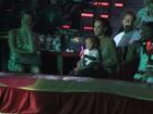Taís Araújo leva o filho ao circo no Rio