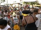 Lavagem de Itapuã completa 112 anos e volta da 'Baleia Rosa' marca desfile