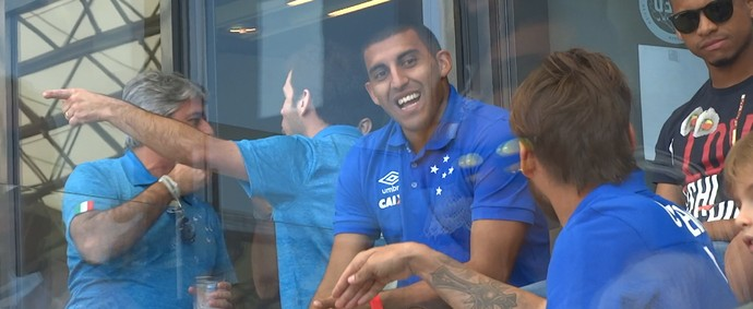 Desde de que foram apresentados, Ábila e Sobis se aproximaram no Cruzeiro (Foto: Maurício Paulucci)
