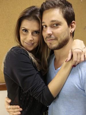 Atriz posa com o namorado (Foto: Felipe Monteiro/TV Globo)