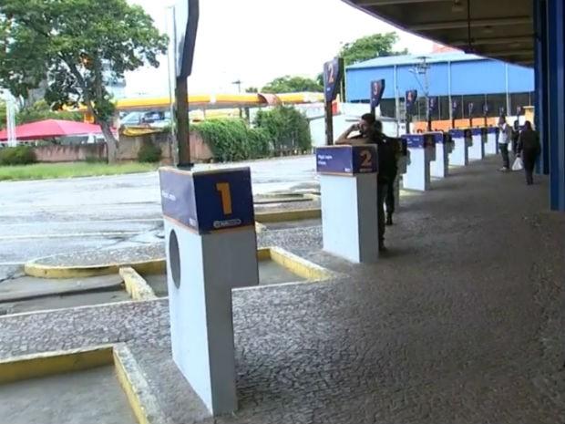 Terminal rodoviário de Sorocaba ficou vazio na manhã desta quarta-feira (Foto: Reprodução/TV TEM)