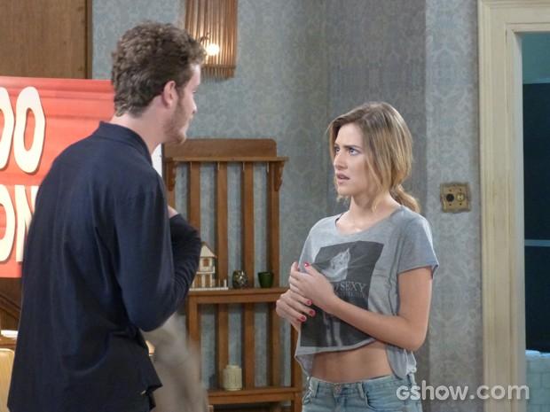 Sofia surpresa com o fora de Sidney (Foto: Malhação / TV Globo)