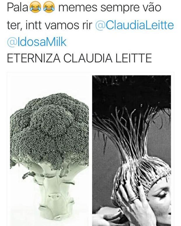 Memes sobre adereço de cabeça de Claudia Leitte no desfile (Foto: Reprodução / Twitter)