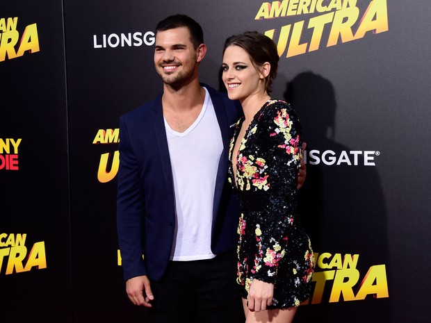 Taylor Lautner e Kristen Stewart em première de filme em Los Angeles, nos Estados Unidos (Foto: Frazer Harrison/ Getty Images/ AFP)