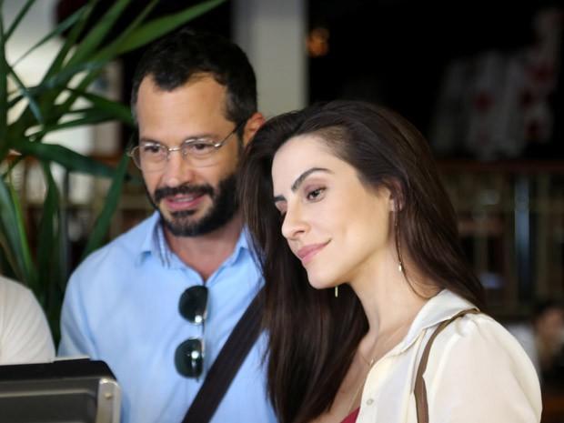 Cleo Pires e Malvino Salvador no set de filmagens de 'Qualquer gato vira-lata 2' (Foto: Divulgação/Valéria Simões)