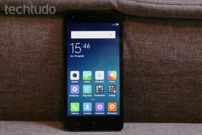 MIUI, interface da Xiaomi, é baseada em Android, mas se parece com o iOS (Foto: Luana Marfim/TechTudo)